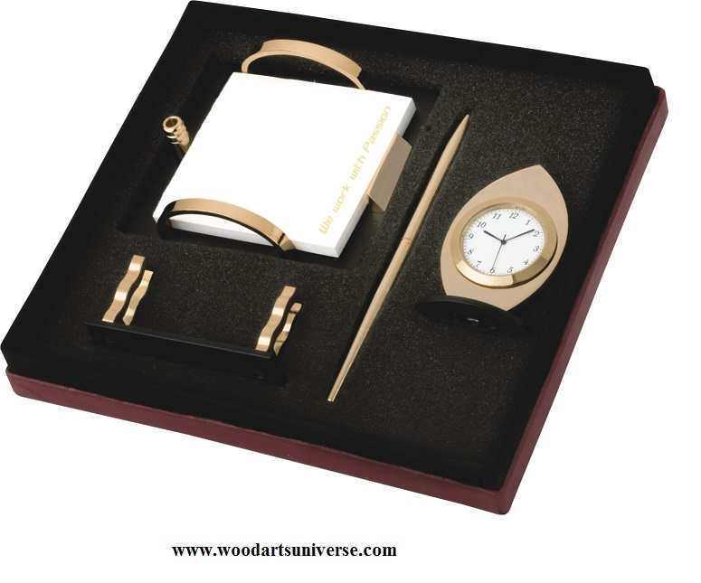Business Gift Set With A Clock WAUPCS13901